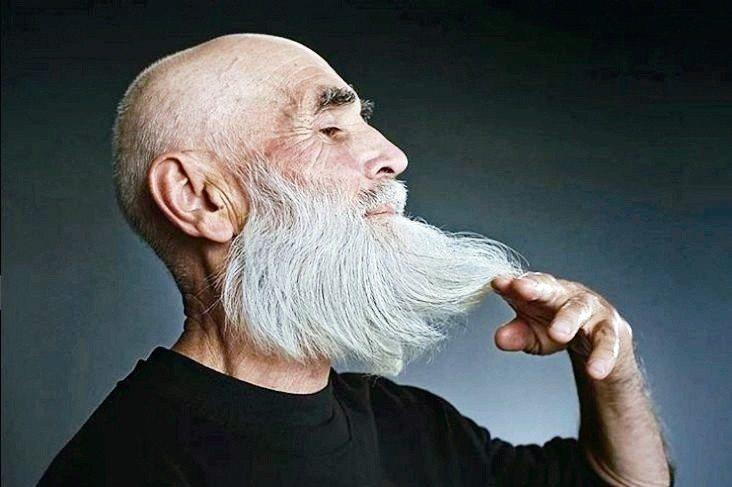 俄羅斯一家模特兒經紀公司Oldushka,專找熟齡模特兒。 圖/摘自oldush...