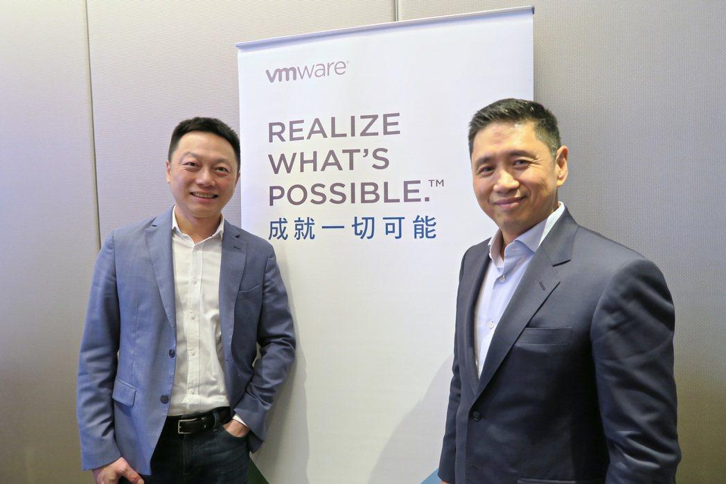 VMware全球副總裁、大中華區總裁郭尊華(右)、台灣區副總經理暨技術長吳子強認...