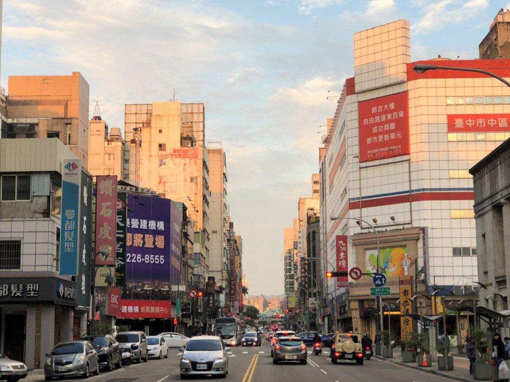 中區街景 記者游智文/攝影