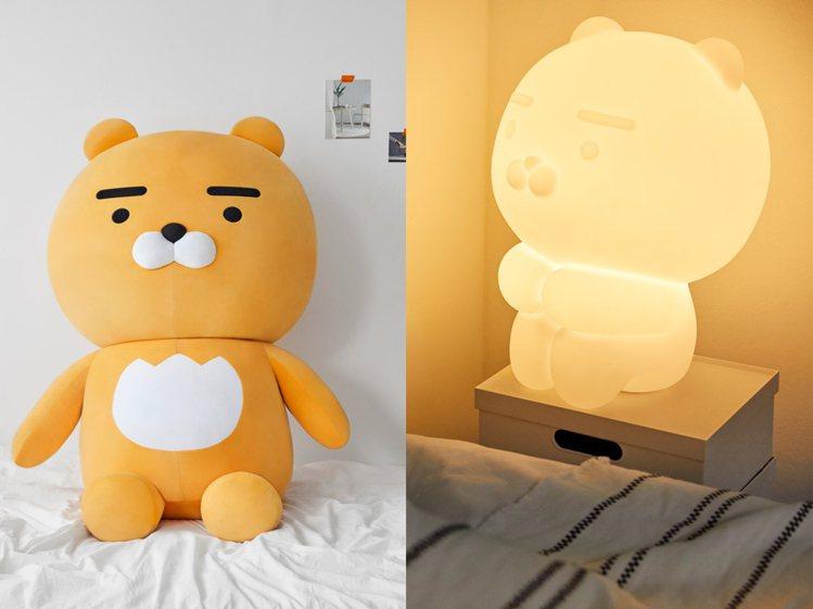 KAKAO FRIENDS推出巨大萊恩玩偶與夜燈。圖/摘自KAKAO FRIEN...