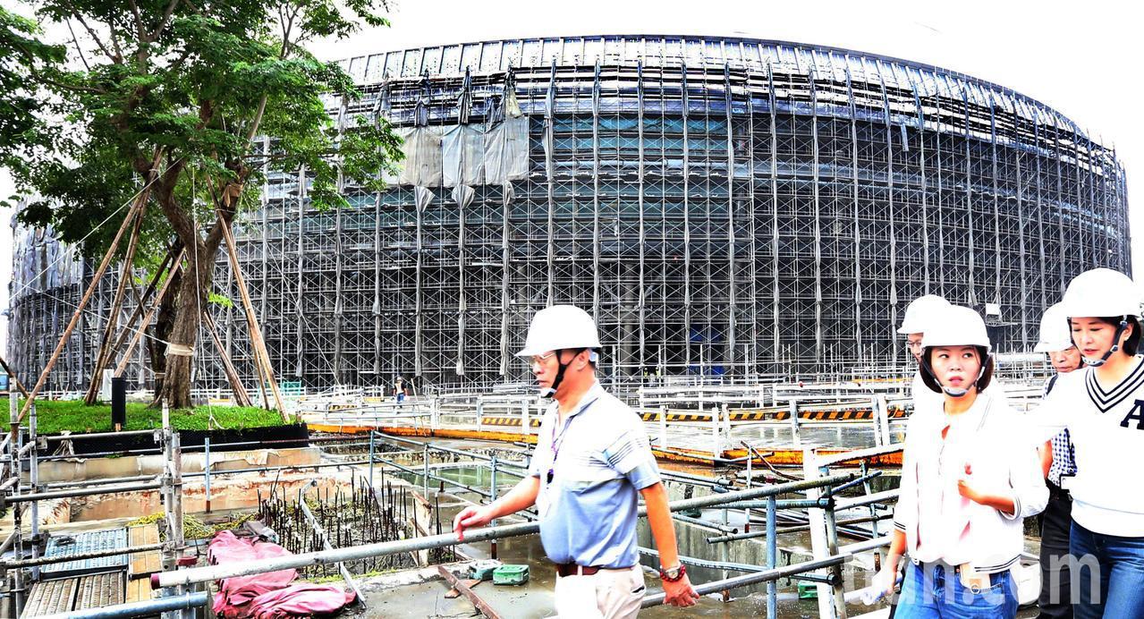 回首台灣公共建設史,大巨蛋、近年的新故宮計畫,乃至處境尷尬的桃園機場第三航廈計畫...
