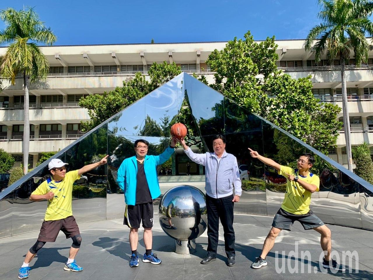 台中一中、台南一中兩所名字同時都是「第一高級中等學校」,校友、學生常在網路社團、...
