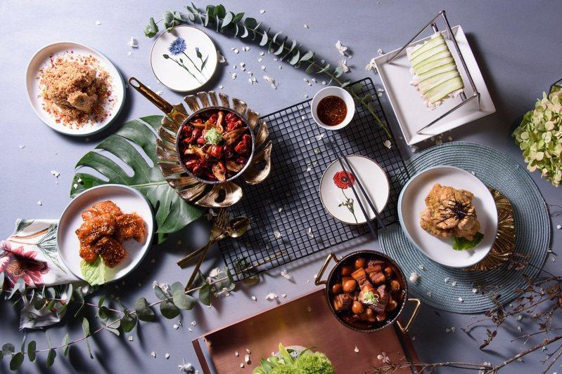 台北市商業處今年推薦的42家台北潮食尚餐廳,為你的年底做個圓滿的收尾。更有國內外網紅帶路,搶先帶你體驗潮食尚餐廳,邀請你一起享受年末用餐的最潮時刻。 圖/台北市商業處提供