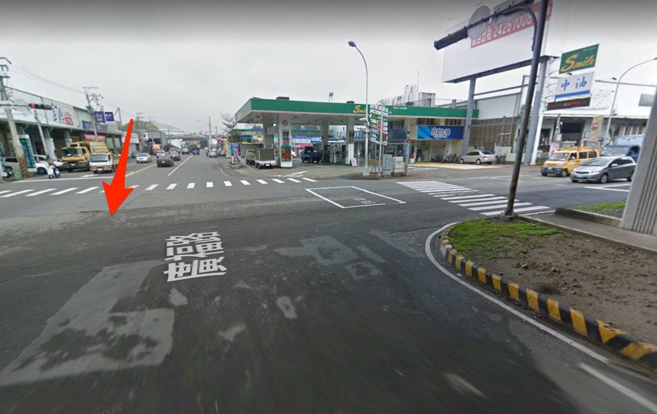 台中市林姓女大生今天上午11時騎車行經西屯區環中路二段、廣福路時,與左轉的轎車發...