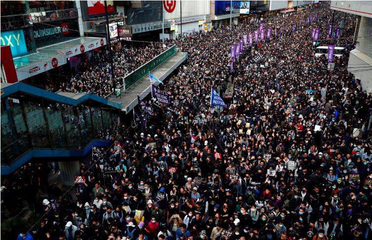 香港民陣本月8日舉行的國際人權日大遊行,再有大批香港民眾上街表達心聲。路透