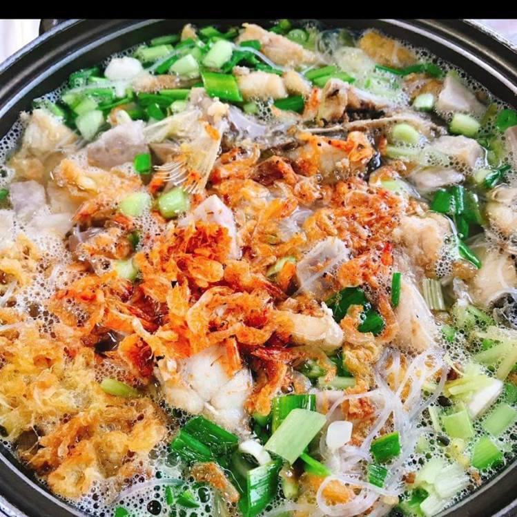 珍味園海鮮小館以鯧魚米粉最為出名。圖/取自珍味園海鮮小館粉絲頁