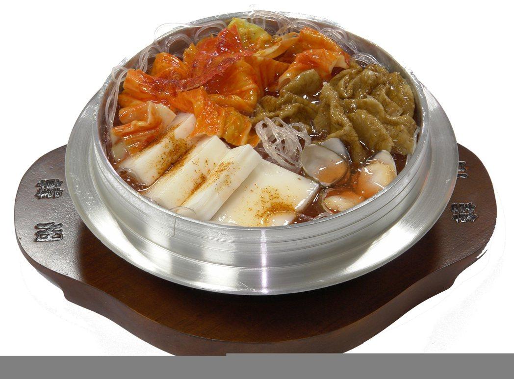12/11限定,京站B3韓州泡菜鍋原價150元,特價100元。圖/京站提供