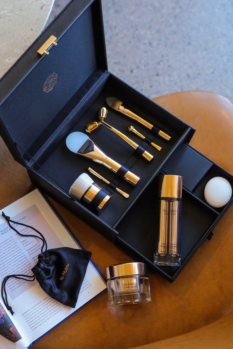 雅詩蘭黛護膚工具箱「白金級奢華尊寵SPA組」。圖/雅詩蘭黛提供