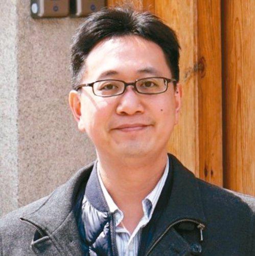 跨國學術組織製作年輕化學家周期表,台大化學系副教授戴桓青入榜。 圖/取自IYCN...