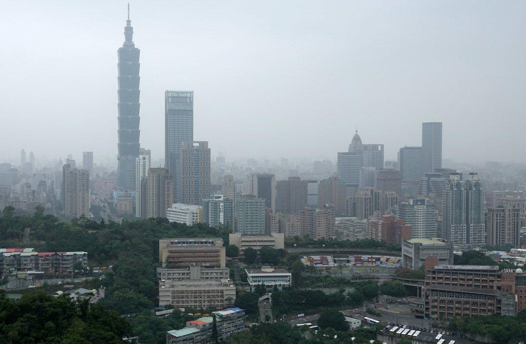 環保署表示,今晚東北季風增強,冷空氣夾帶中國汙染物南下,明天凌晨起將影響我國北部...