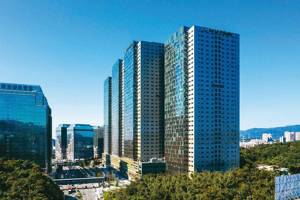 「遠雄U-Town」位於大汐科商圈,成為不少企業、投資者在兼具自用或置產思維下,...