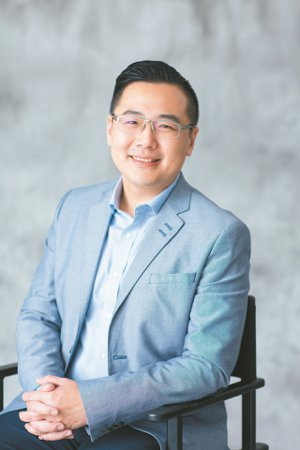 Yahoo奇摩購物事業群副總裁蔡伯璟表示,Yahoo新物流中心運用人工智慧,今年...