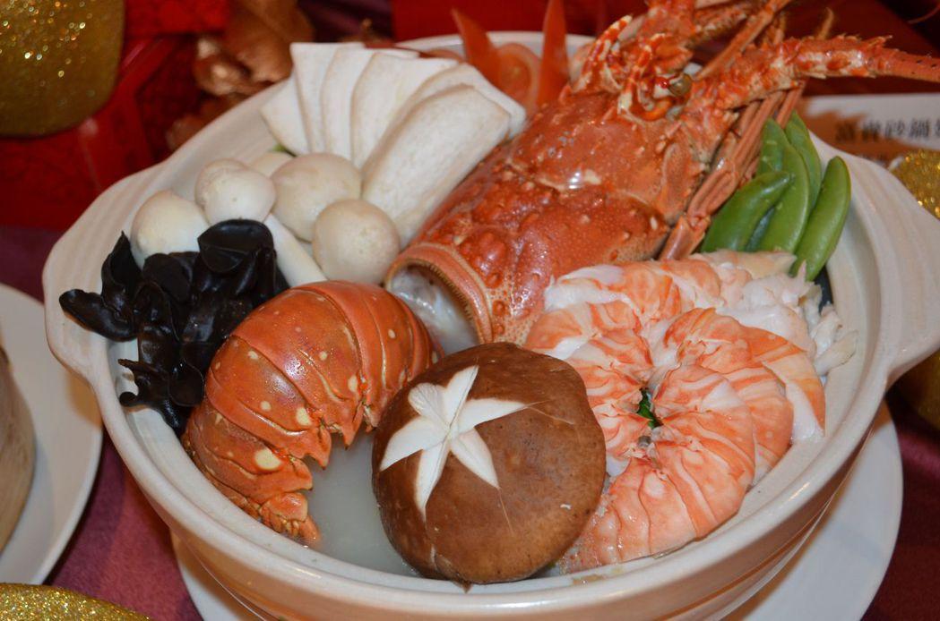 主廚工夫菜-「秘製龍蝦鍋」。  陳慧明 攝影