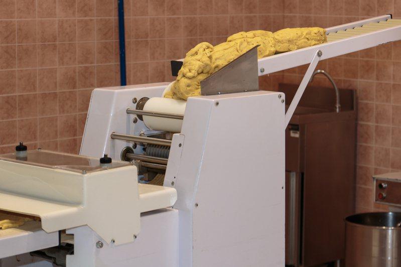 大陸一名女子遭製麵機捲入當場慘死。圖片來源/ingimage