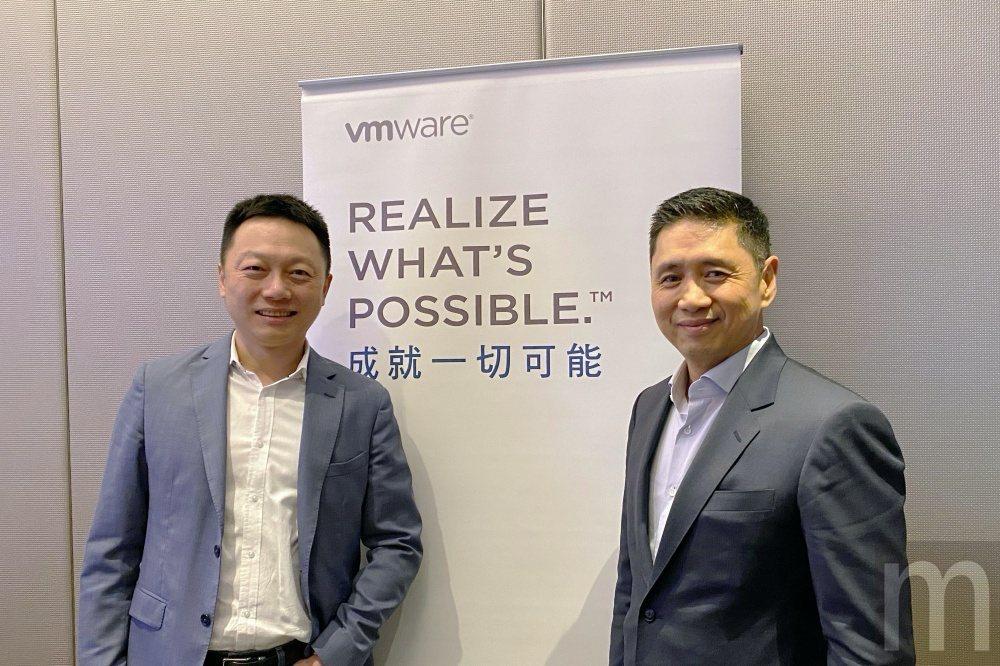 VMware全球副總裁暨大中華區總裁郭尊華 (右)