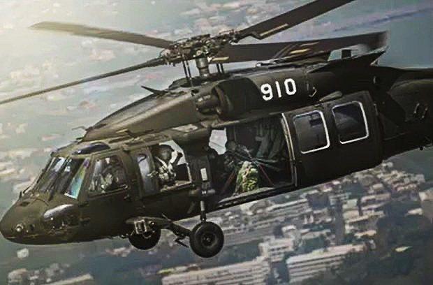 國防部昨日發布國軍109年形象月曆,內容難得披露陸軍航特部UH-60M黑鷹直升機...