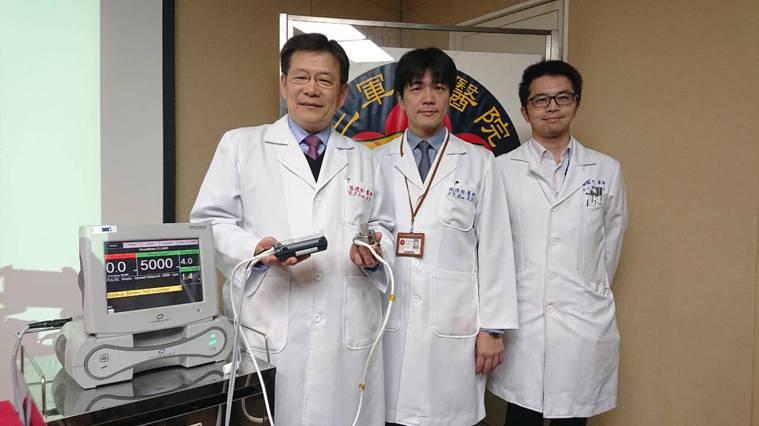 以三軍總醫院心室輔助器團隊經驗為例,從去年10月截至目前已執行13例新型長效心室...