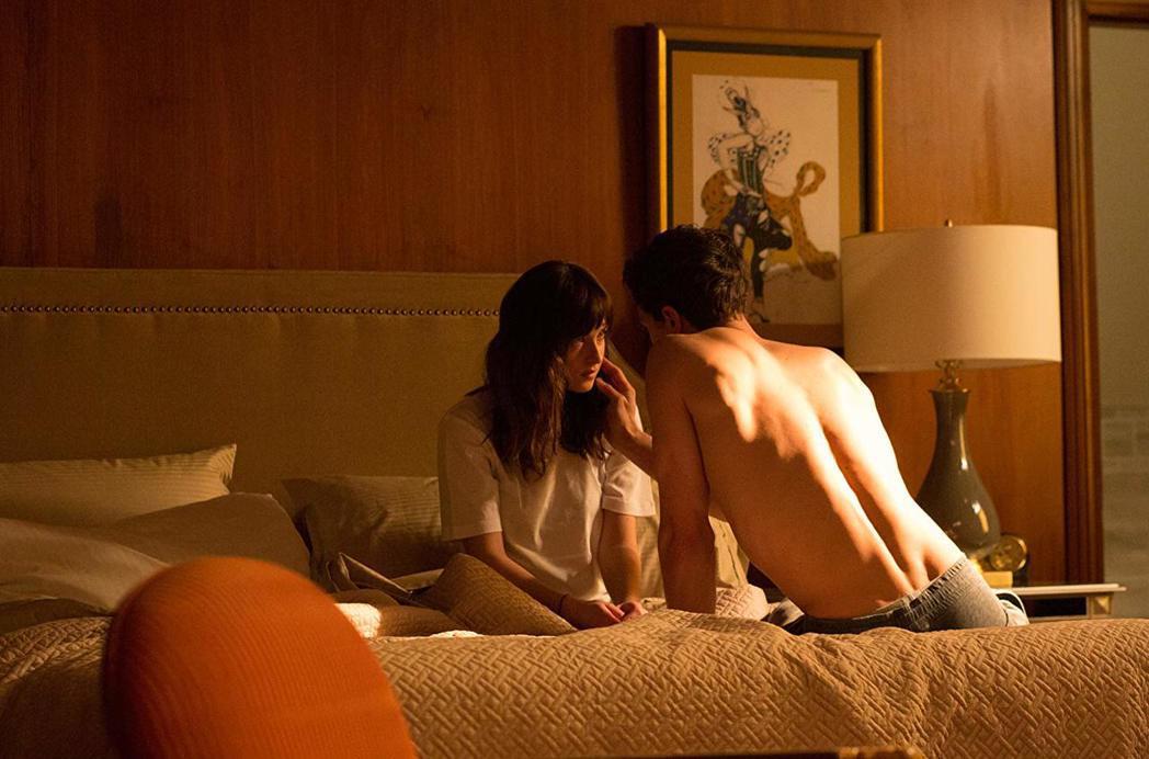 「格雷的五十道陰影」系列飽受影評抨擊,登上「10年來最差電影」污名榜。圖/摘自i