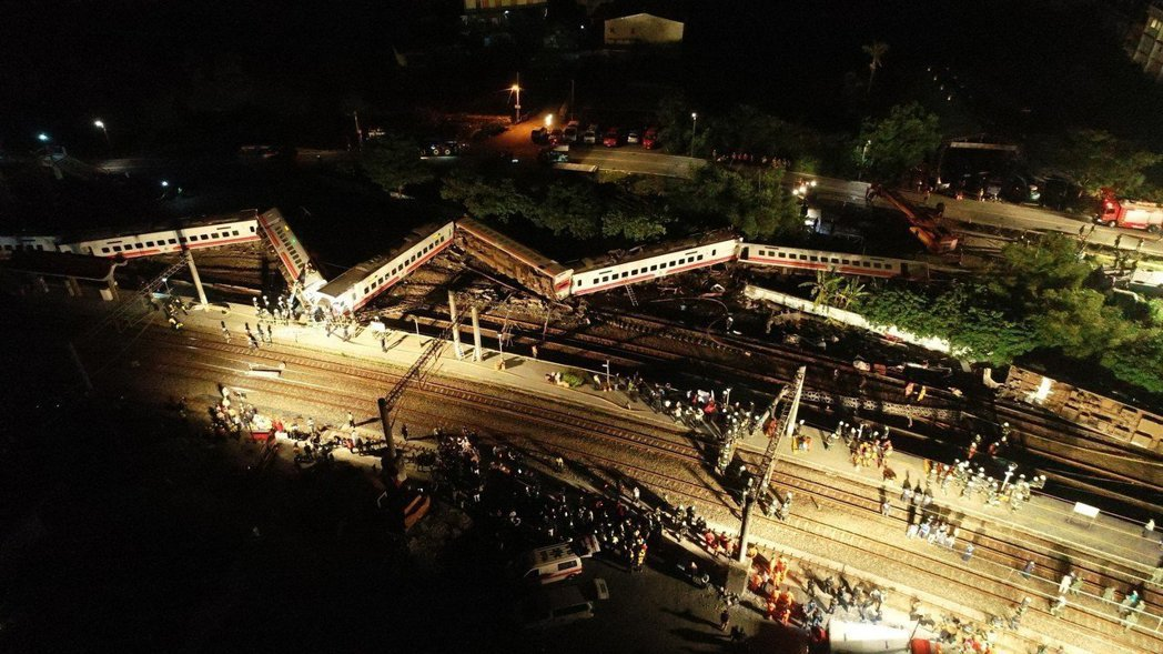 普悠瑪列車去年10月21日在宜蘭高速出軌,造成18人死亡。本報資料照片