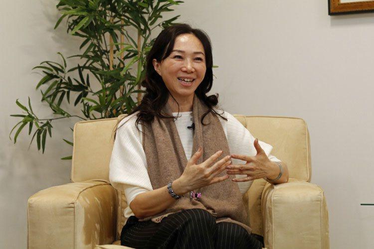 李佳芬接受世界日報專訪時表示,她相信韓國瑜會打贏選戰。(記者呂賢修/攝影)