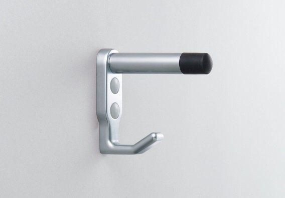 廁所門板上的掛勾常常會有一長一短的設計,上方其實是門擋兼作防盜桿。圖/J-tow...