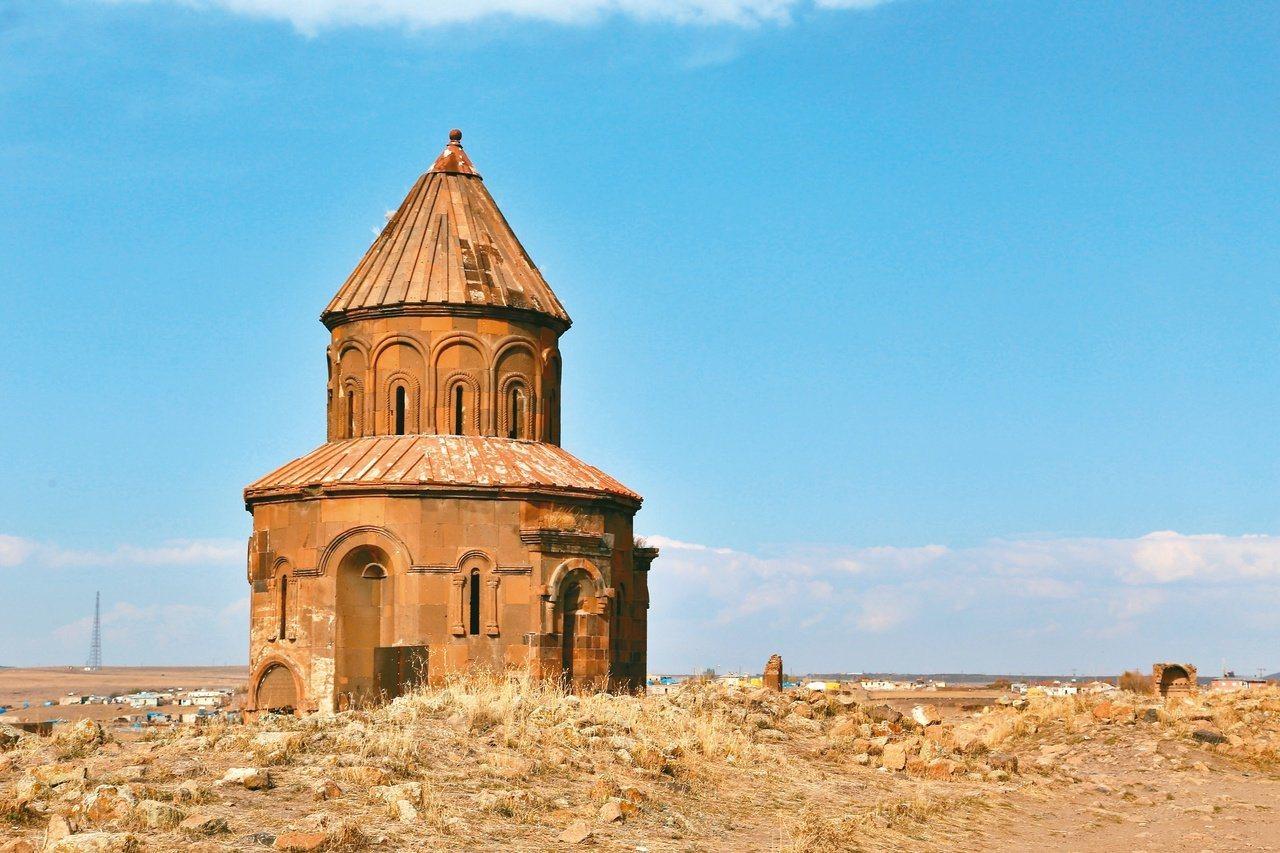 建立於11世紀的喬治亞教堂,比起其他建築,相對保存完整。 圖/魏妤庭攝影