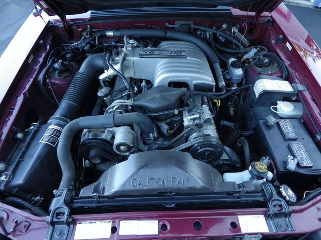 這一顆4.9升V8引擎僅能輸出225匹的馬力。 摘自Carscoops