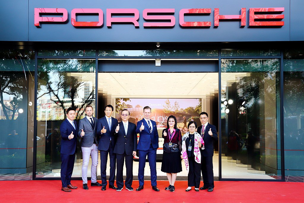 以Porsche NOW全新型態概念店為起點,兩個月內相繼進駐北部及南部精華地段...