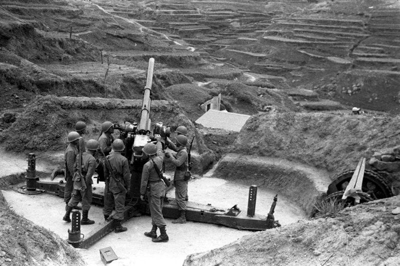 曾經是反共前線的金馬,為何有越來越向中國親近的態勢?圖為1955年馬祖軍事演習。 圖/聯合報系資料照
