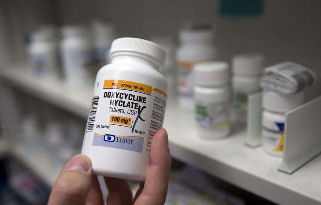 研究指出,部分美國人可能因為醫藥費太貴而服用魚類抗生素。美聯社