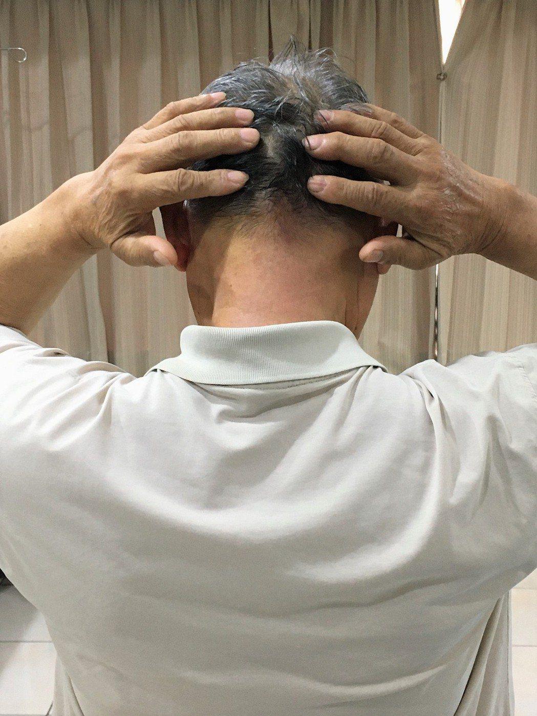 一名69歲男性,6年多來長期受頭痛和頭暈之苦,雖接受過腦波和電惱斷層等多項檢查,...