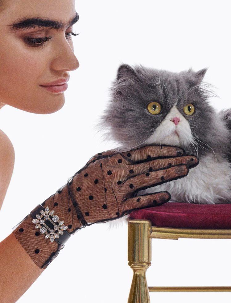 Roger Vivier進軍珠寶界,首個形象廣告,找來名模Sophia Hadj...
