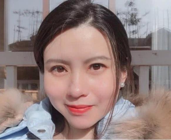 曾跑過亞運會和世界盃新聞,網友稱,「美女記者邢成博,有了她誰還看亞運會,風頭直搶各路健兒」。(騰訊體育)