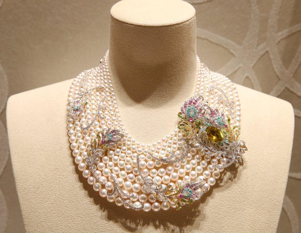 MIKIMOTO頂級珠寶系列,令和Reiwa鳳凰羽毛造型項鏈,約1,480萬。攝...