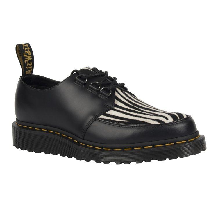 Dr. Martens斑馬飾紋皮鞋(中性款),原價7,480元、特價3,800元...
