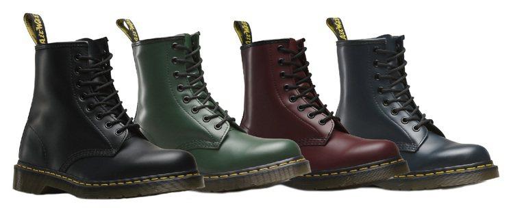 Dr.Martens皮革經典款8孔鞋,原價6,480元、特價4,680元,每店限...