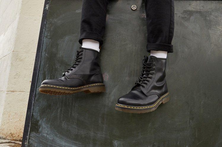 個性鞋履品牌通路SHOEX即將舉辦年終特賣。圖/SHOEX提供