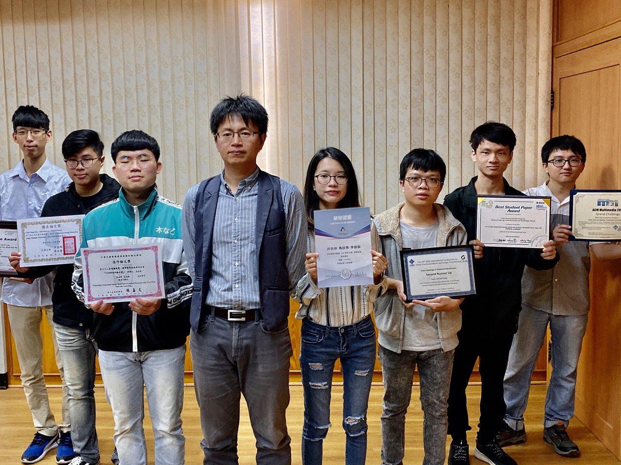 屏科大資管系前瞻視覺實驗室,屢獲國際大獎,顛覆學界印象。記者江國豪/攝影