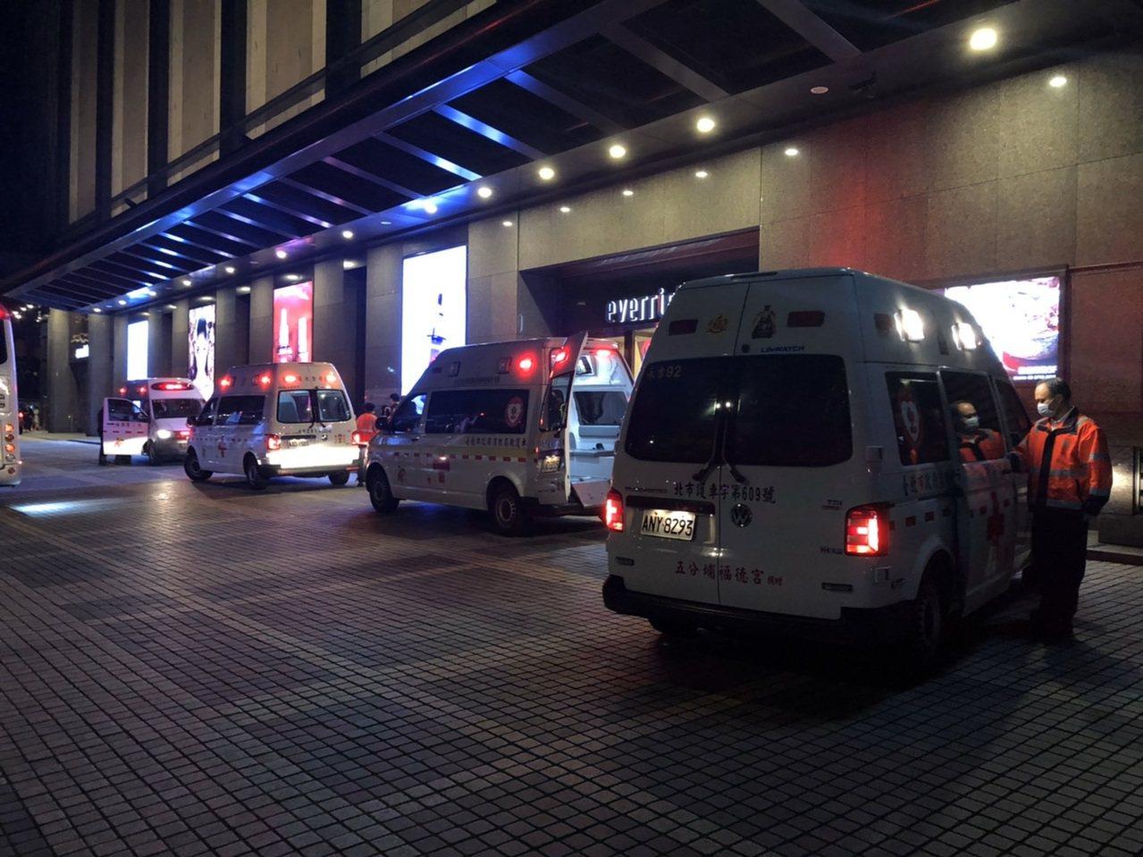 日本高中生旅行團來台旅遊,傳出集體食物中毒事件,44人腹瀉分別送至台北馬偕、三總...
