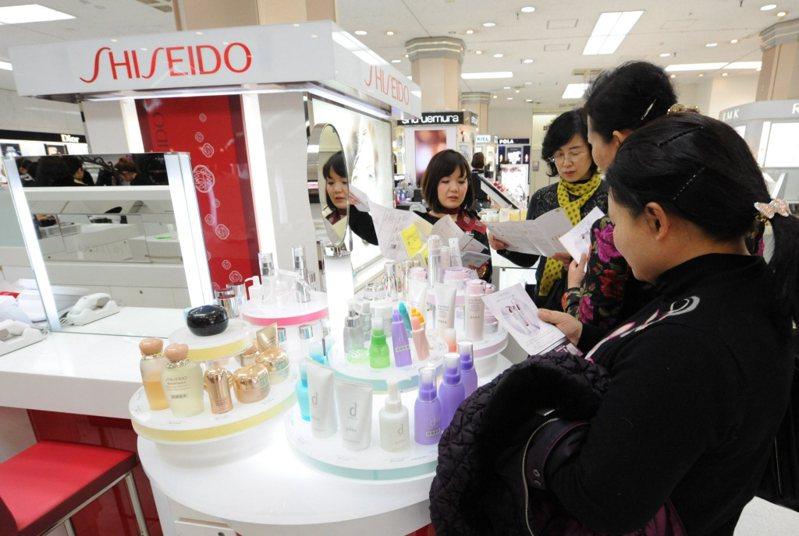 日本化妝品愈來愈受大陸市場歡迎。歐新社