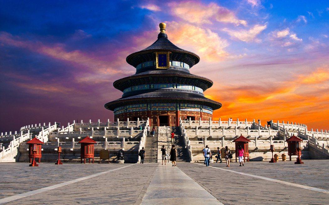 位於北京中南邊的天壇近來推出2020版「祈年曆」迎接即將到來的600歲生日。 圖...
