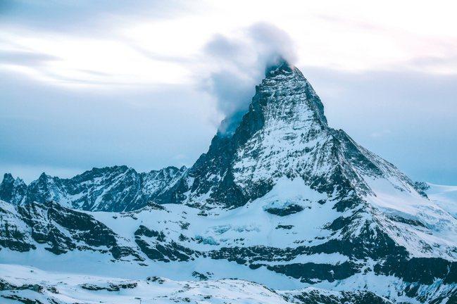 變幻多端又能讓旅人一窺全貌的馬特洪峰。 圖/陳志光、東南旅行社
