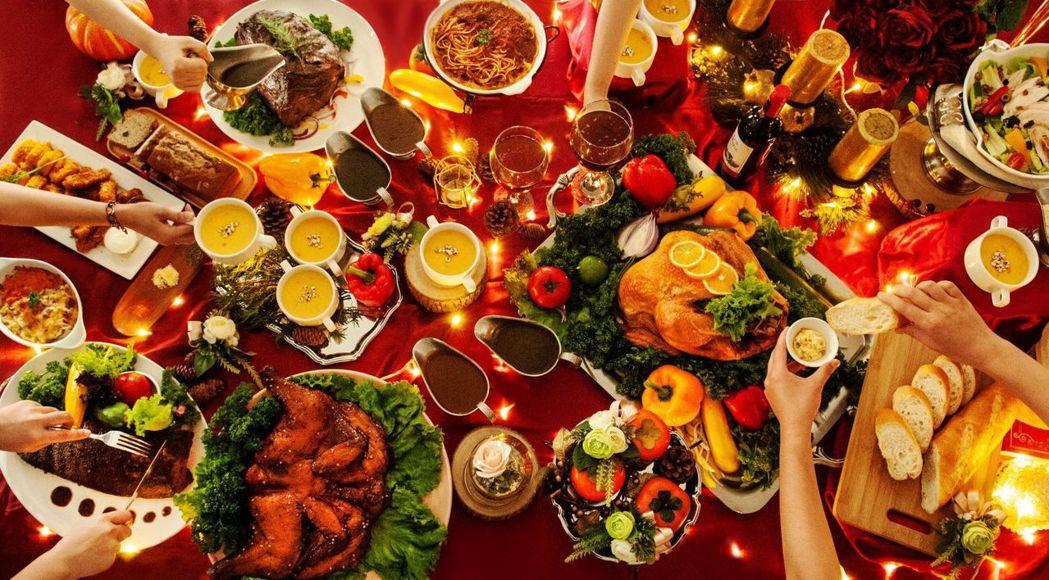 聖誕歡聚,多人同樂。  台南大飯店 提供