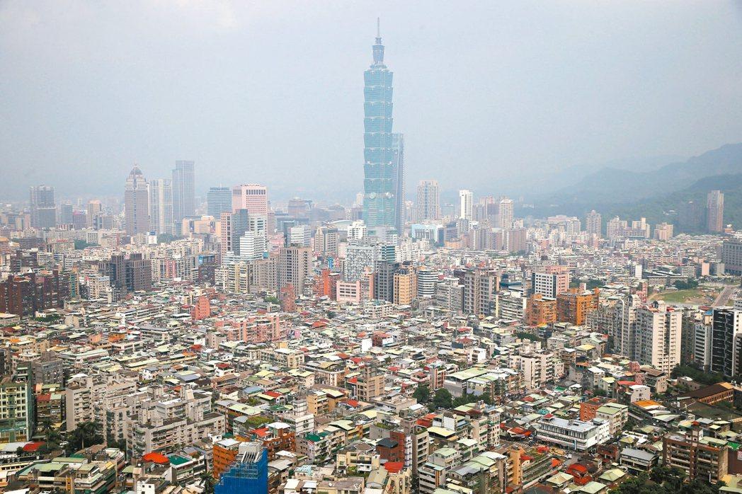 台北市今年8月住宅價格指數,大樓、小宅均上漲,公寓仍下跌。 圖/聯合報系資料照片