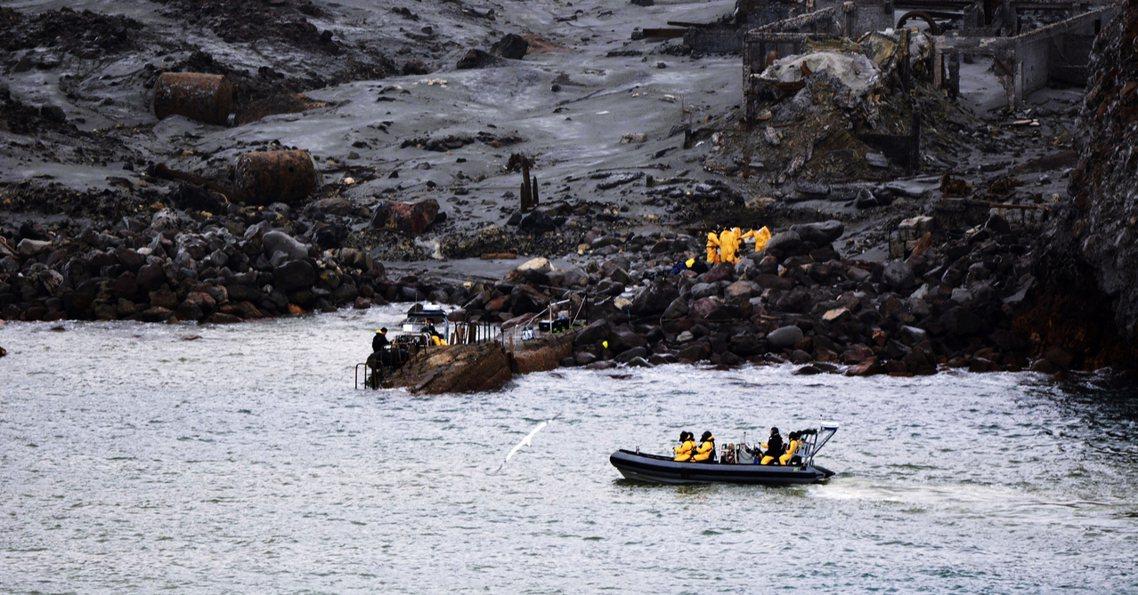 於是在種種決斷之下,於國際關注中的紐西蘭軍方遂決定「搶快登島」。紐西蘭政府即刻安...