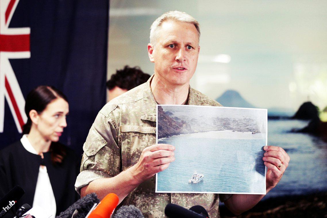 對於搜索指揮官來說,白島火山如果即將噴發,「登島的部隊都將面臨生命危險」;但若眾...