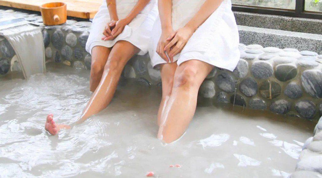 台南關子嶺的泥漿溫泉可讓肌膚潤滑,同時也放鬆身心。 圖/KLOOK提供