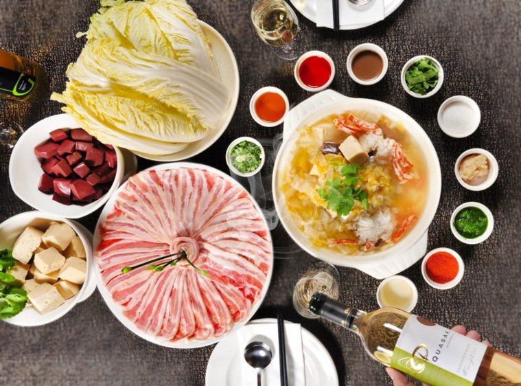 酸菜白肉鍋酒食新搭法。 圖/台北凱撒提供