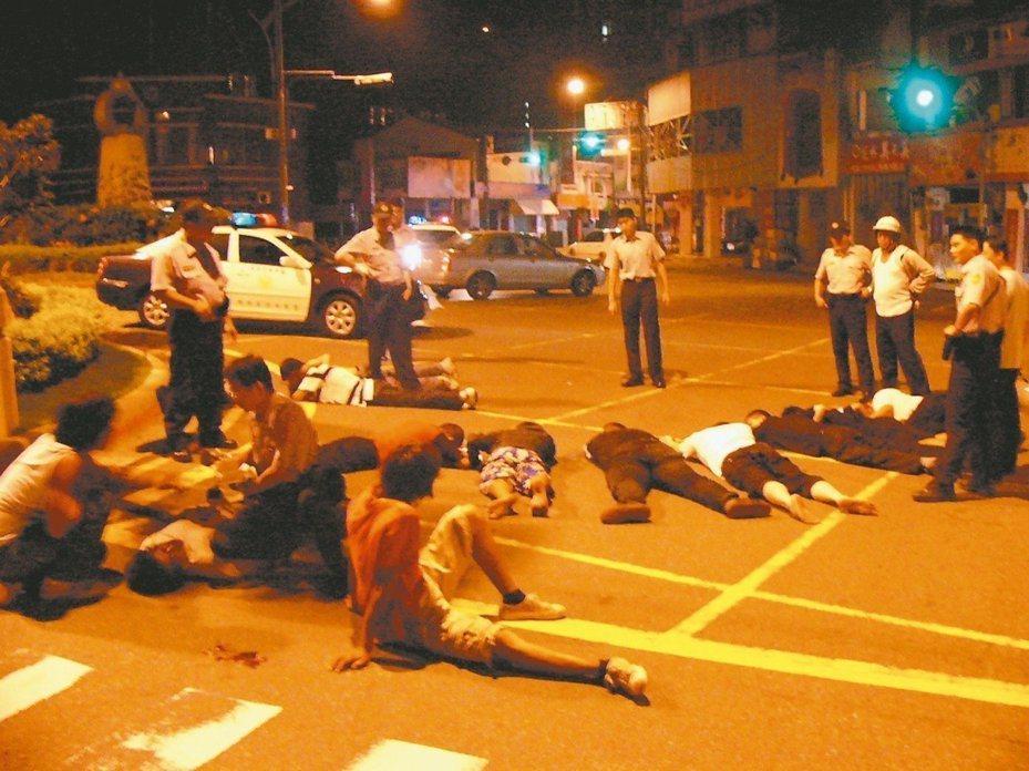 警政署建議針對聚眾鬥毆修法,立法院三讀通過刑法149、150條修正案,警方認為有助於強勢執法。圖/聯合報系資料照片