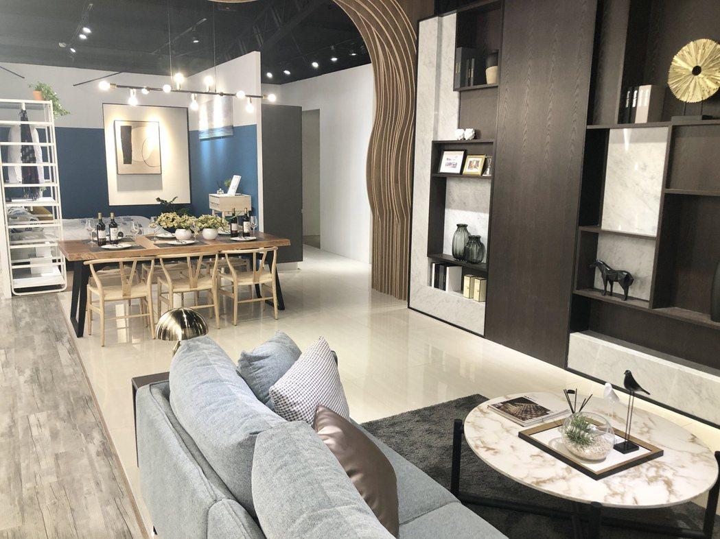 「澄石學而」規劃25至40坪2房、3房產品,主力總價2房約600萬至800萬元、...